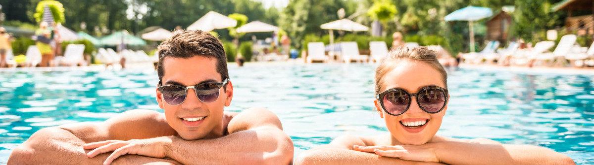 swimmingpool-pool-istock_000072669279_large-2-1200×335