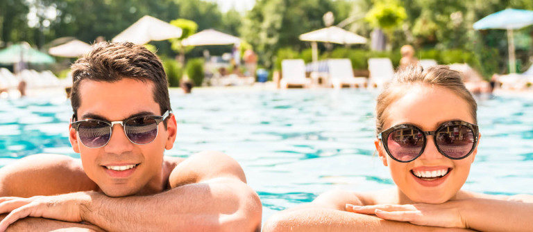 swimmingpool-pool-istock_000072669279_large-2-1200×335
