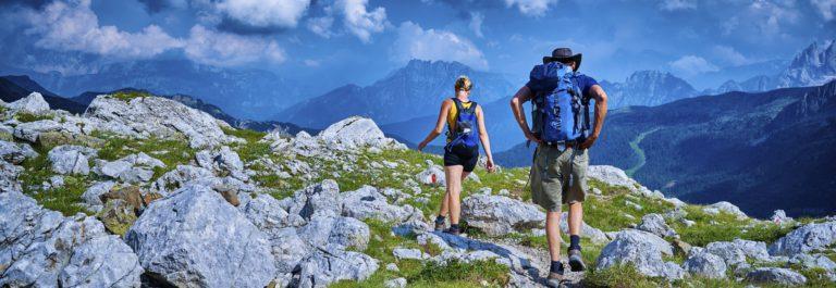 Tirol Wandern iStock_000075516517_Large_v3-header