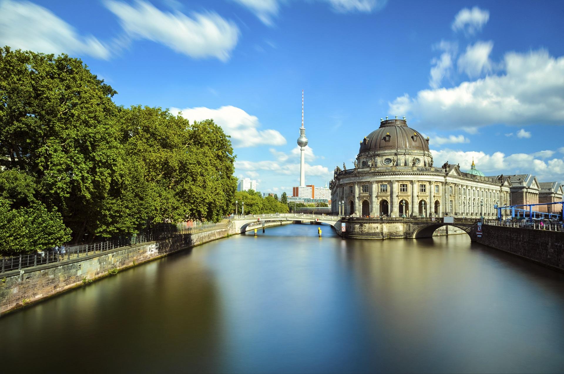 Berlin 3 tage im coolen nhow hotel inkl flug f r 181 chf for Stylische hotels