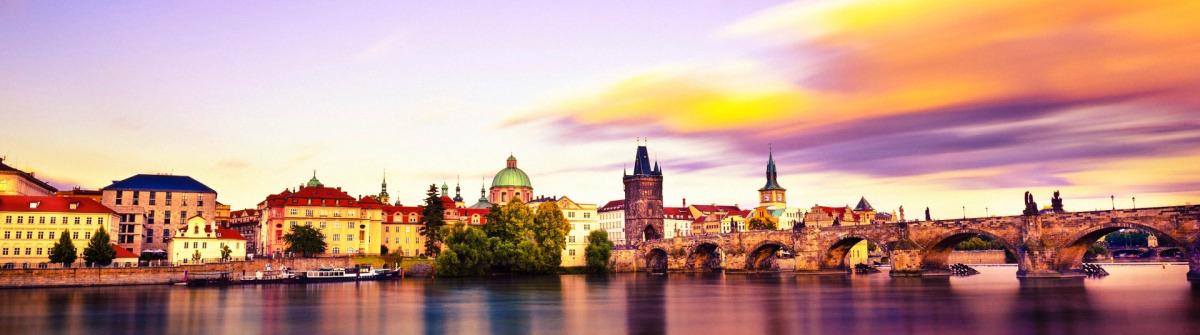 Prag Sunset iStock_000021331777_Large-2