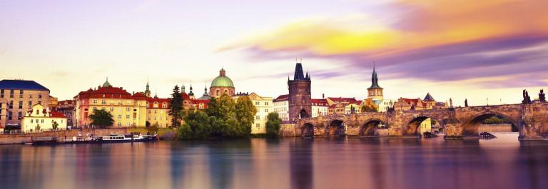 Prag Sunset iStock_000021331777_Large