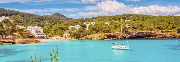V3_Header_Ibiza_Cala_de_Protinatx_istock_Large