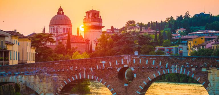 V3_Header_Ponte Pietra Verona iStock_000035812178_Large-2