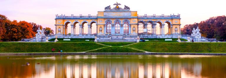 V3_Header_Wien Gloriette iStock_000019727618_Large-2