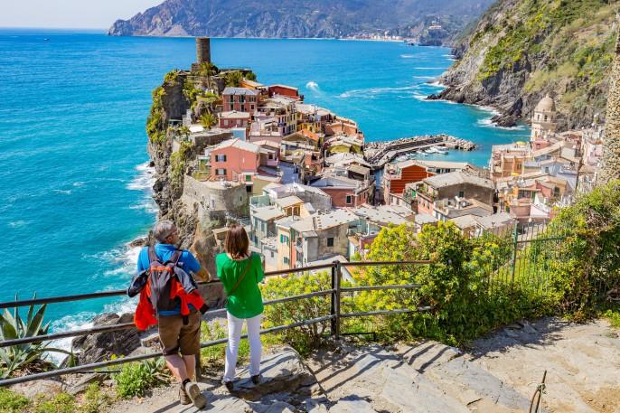 V3_header_CinqueTerre_Italien_shutterstock_293357030