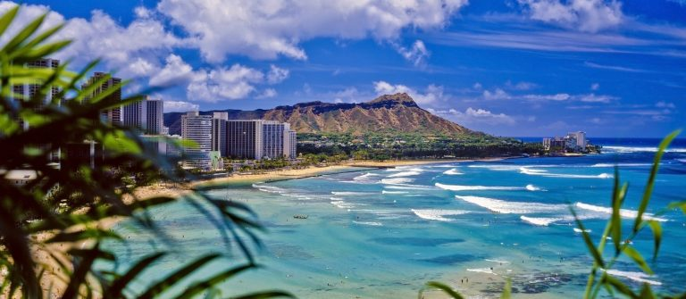 v3_header_hawaii_honolulu_waikiki_beach_shutterstock_41123917