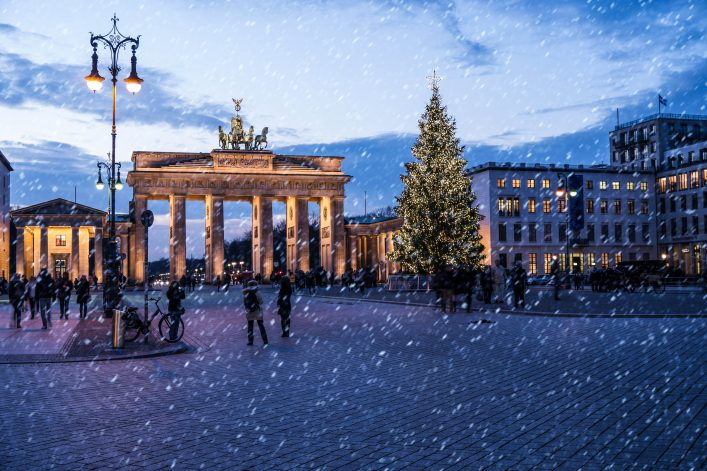 brandenburger-tor-in-winter-in-berlin-shutterstock_173798222-2