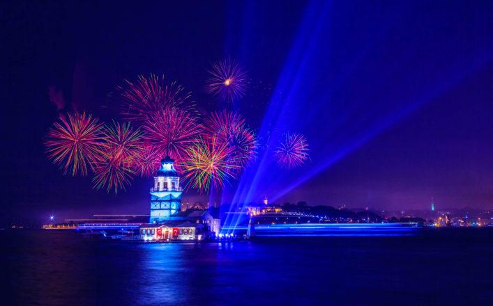 Maiden's Tower / Kiz kulesi with fireworks