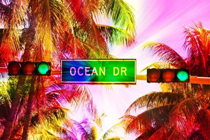 miami_beach_ocean_drive_shutterstock_218076430-707x471