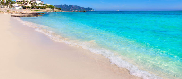 majorca-cala-millor-beach-son-servera-mallorca-balearic-islands-of-spain_shutterstock_270377438_klein