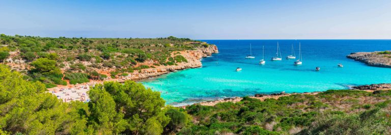 majorca-spain-beautiful-island-landscape-view-to-the-beach-bay-cala-varques_shutterstock_530491345_klein