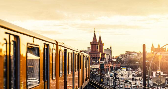 berlin-tram-sonne-shutterstock_192443360-2