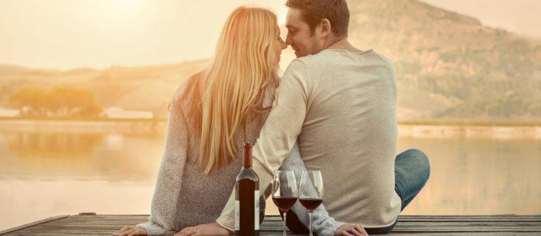 v3_header_valentinstag_paar_romantik_shutterstock_374455852