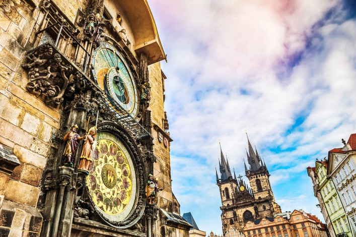 astronomical-clock-in-old-town-square-in-prague-istock_000088542227_large-2-707x470