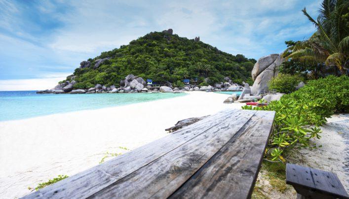 koh-nang-yuan-thailand-istock_000074964999_large