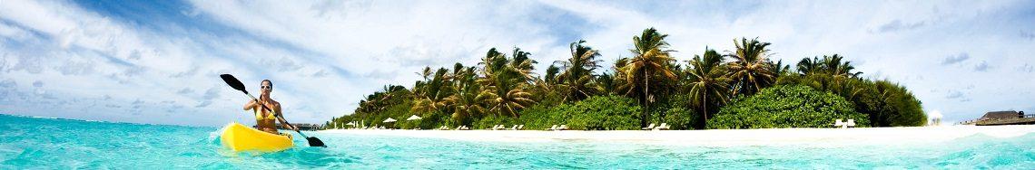 Malediven-Girl-Kayak-iStock_000018051548_Large-2