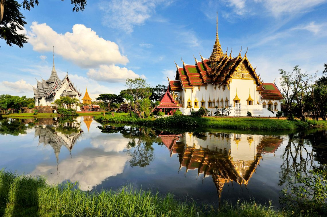 Thailand-Kings-Palace-iStock_000012171392_Large-2