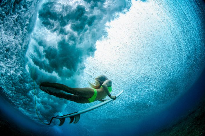 duck-dive-from-beneath-the-water-istock_74451687_xlarge-2