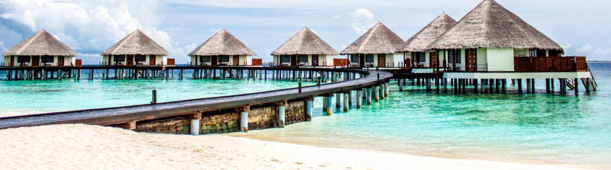 maldives-boardwalk-istock_28789822_xlarge-2-e1469165433866
