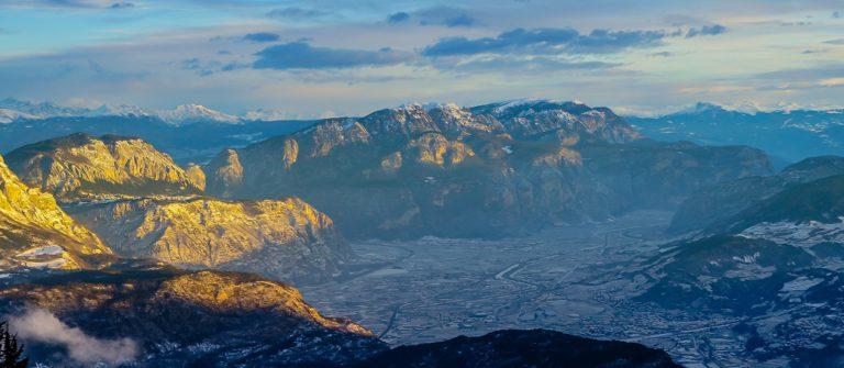 V3_header_Monte_Bondone_Trentino_Italien_shutterstock_426293650