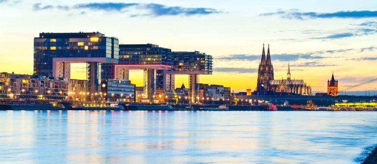 Kölner Dom Cologne Cathedral, Germany iStock_000026222278_Large-2