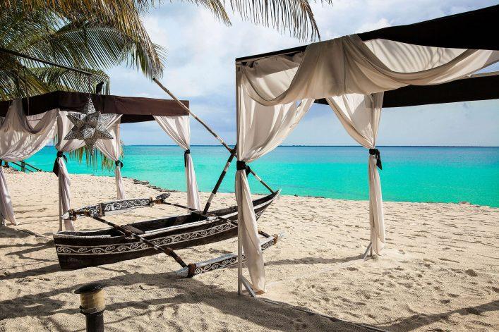 Traumhafter Strand auf Sansibar
