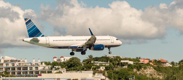 Saint_Martin_St_Maarten_Maho_Bay_shutterstock_539310949_2000pix