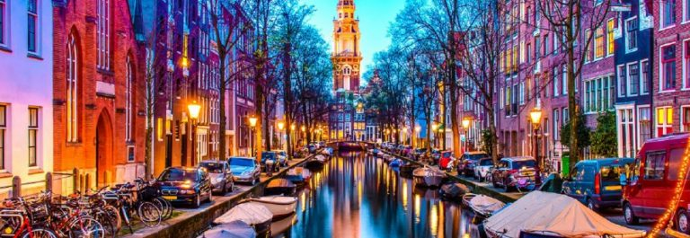 Zuiderkerk-in-Amsterdam-iStock-528503566-2_titel-1-1200×335