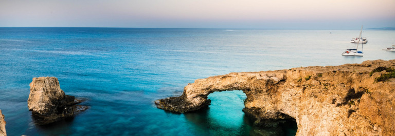 beautiful-natural-rock-arch-of-ayia-napa-on-cyprus-island-shutterstock_324412754-2-zypern