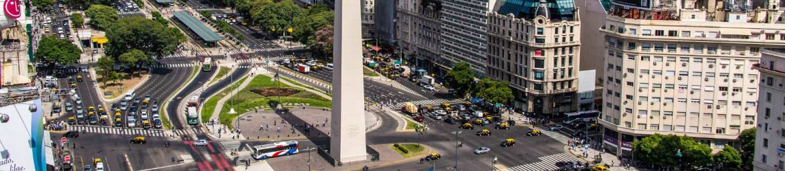 Birds-eye-of-Avenida-9-de-Julio-in-Buenos-Aires-Argentina-iStock_000065150149_klein