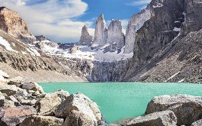 Torres-del-Paine-Gebirge-Patagonien-Chile-iStock_000048987352_klein-1