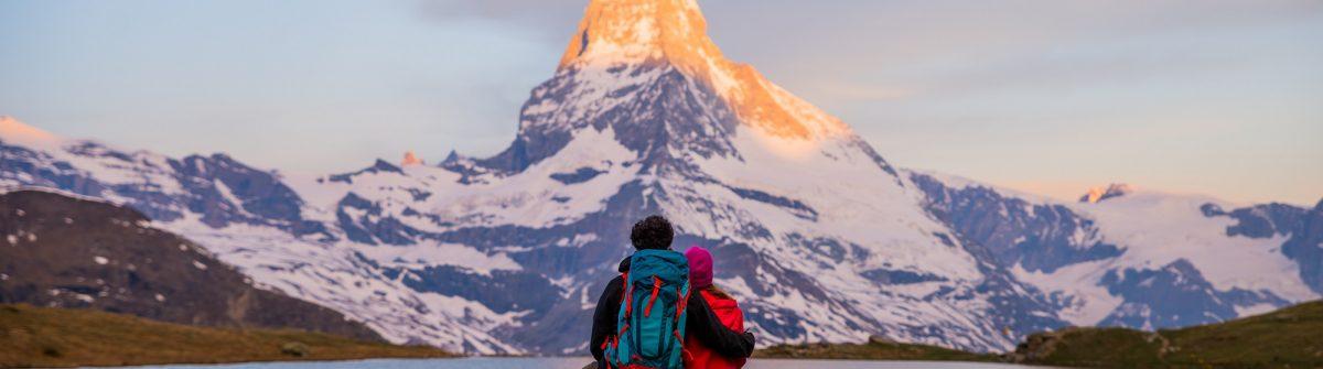v3-header-stellisee-nahe-zermatt-matterhorn-aussicht-shutterstock_658925785