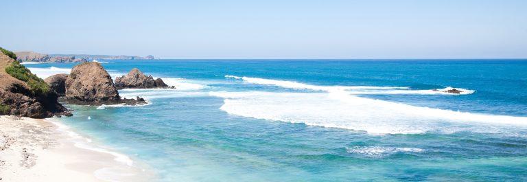 Kuta Beach, Lombok, Indonesia_shutterstock_81152338