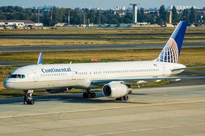 airplane-at-airport-shutterstock_7637839-editorial-only-erasmus-wolff-2