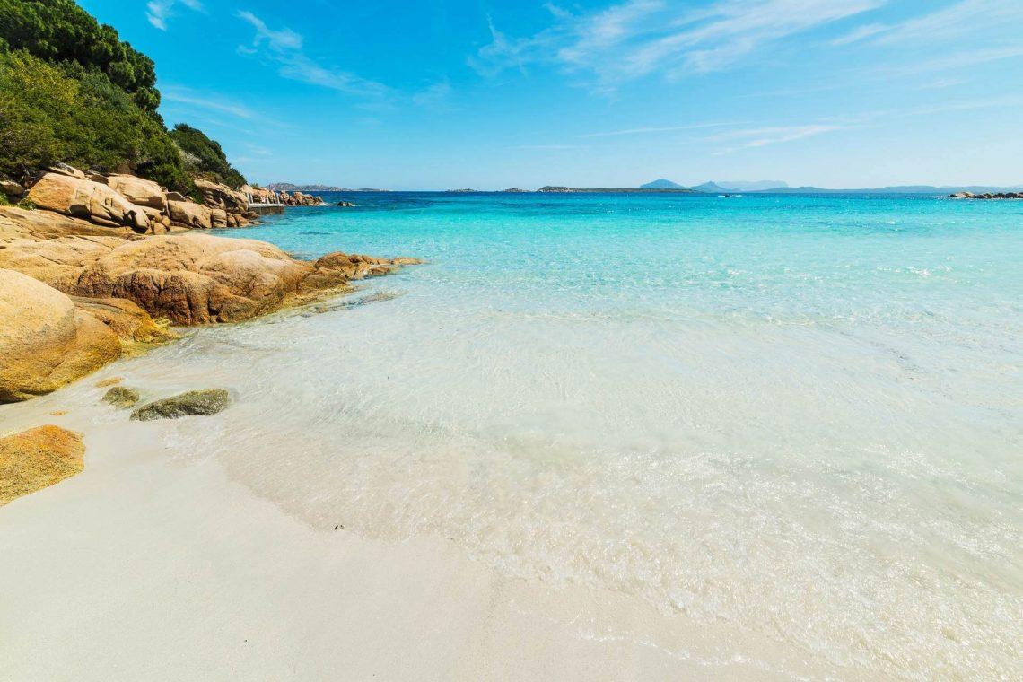 Capriccioli-Sardinien-Strand-iStock-534458716_1920x1280_tiny