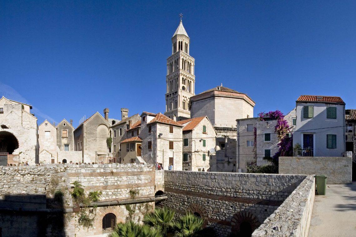 Ansicht der Altstadt von Split mit dem Diokletianpalast in Kroatien