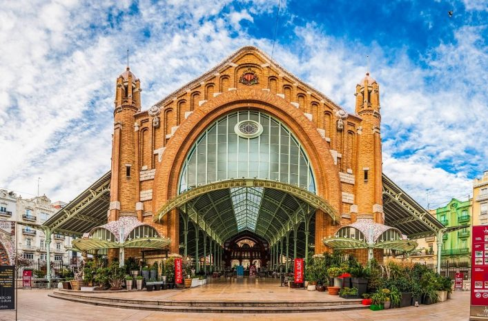 Spain-historic-city-market-hall-Mercado-Colon-Valencia-iStock_96459265_XLARGE-EDITORIAL-ONLY-fotoVoyager-2