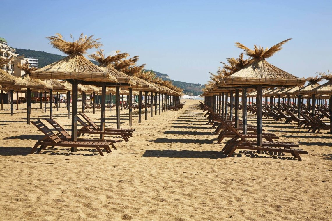 shutterstock_1029516724_Beach-in-Golden-Sands.-Bulgaria_klein_tiny