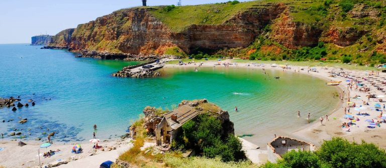 shutterstock_461676160_Bolata-beach-Bulgaria.-Famous-bay-near-Cape-Kaliakra_1920x1280_tiny-Header