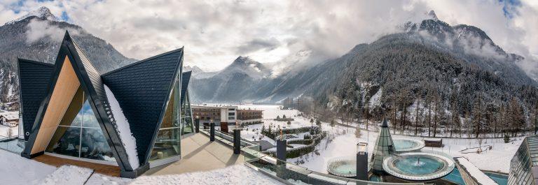 V3_header_Winter_AQUA-DOME_SPA-3000-_Panorama