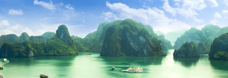 halong_bay_vietnam_433429534-smaller