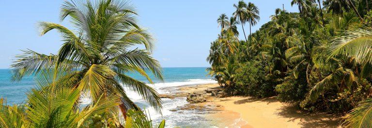 manzanillo_costarica_403688380-SMALLER
