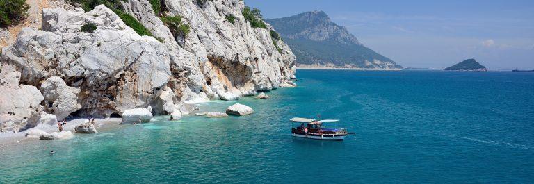 mountains-and-sea-around-Kemer-Turkey_shutterstock_288897821-SMALL