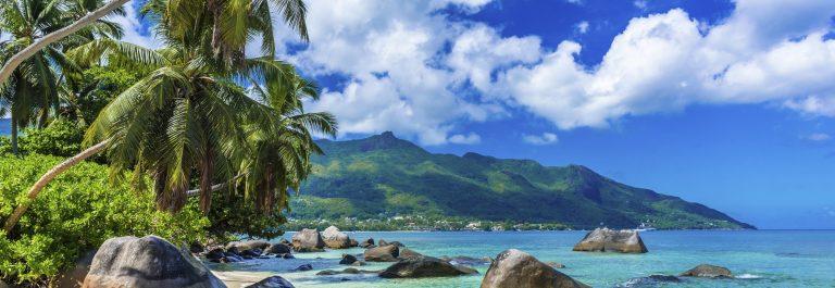 Baie Beau Vallon – Beach on island Mahe in Seychelles
