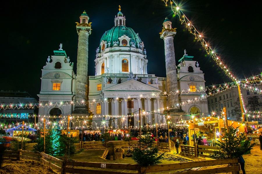 Weihnachtsmarkt_Wien_Kalrsplatz