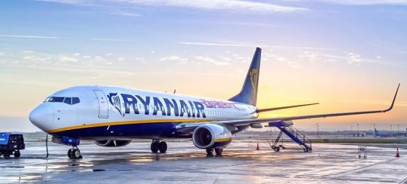 Ryanair-Patryk-Kosmider-Shutterstock.com_-585×390