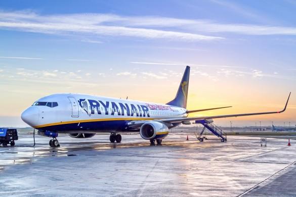 Ryanair-Patryk-Kosmider-Shutterstock.com_-585x390