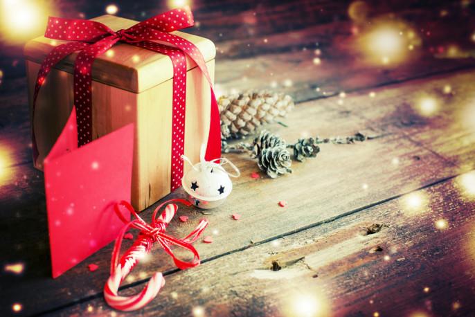 shutterstock_232629397_Geschenk_Weihnachten