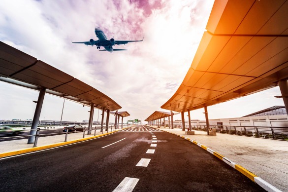 scene-of-airport-building-in-shanghai-china-istock_36323412_xlarge-2-1-585x389